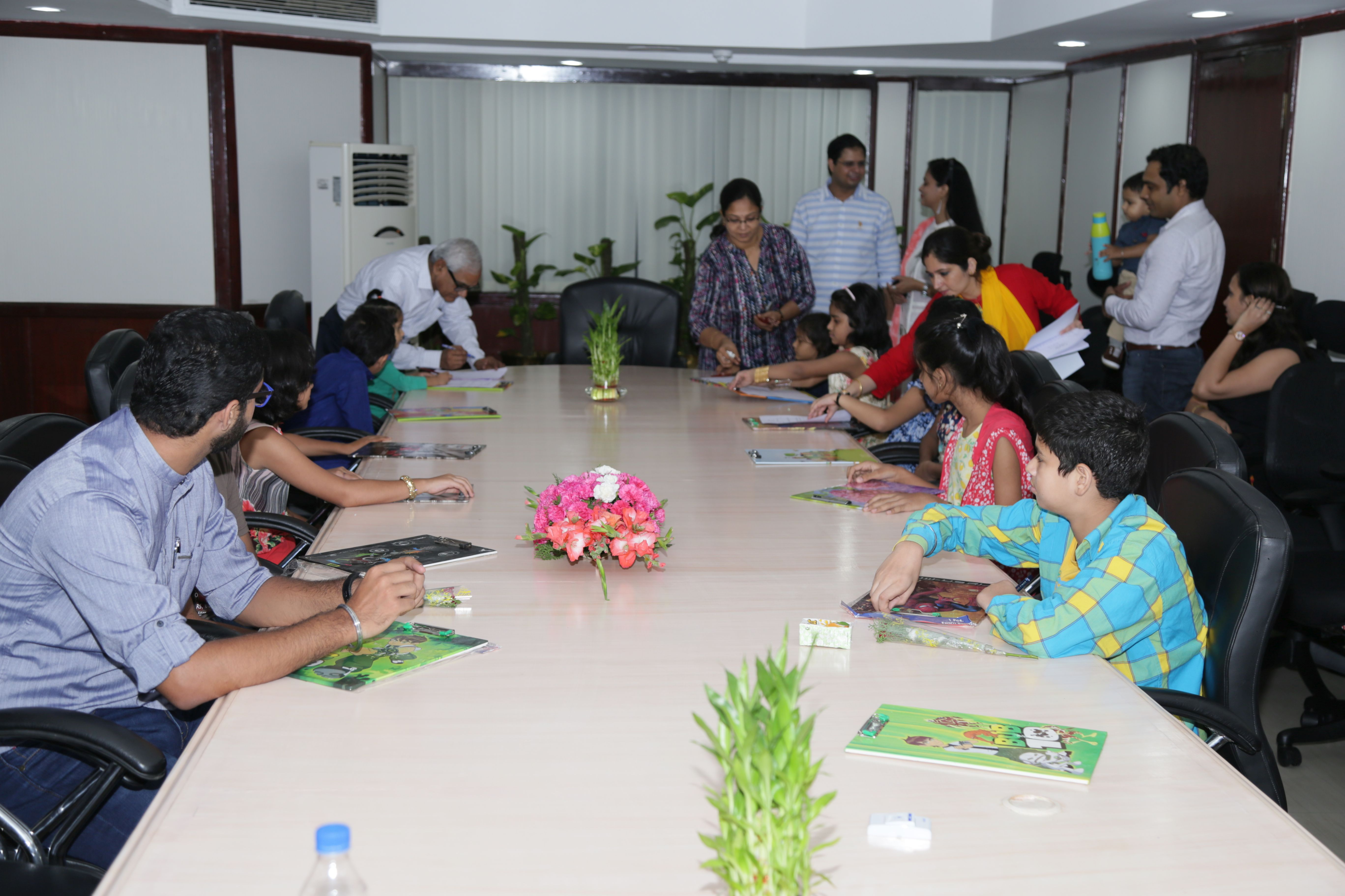 Various competitions in Hindi for children of Employees Photo Gallery
