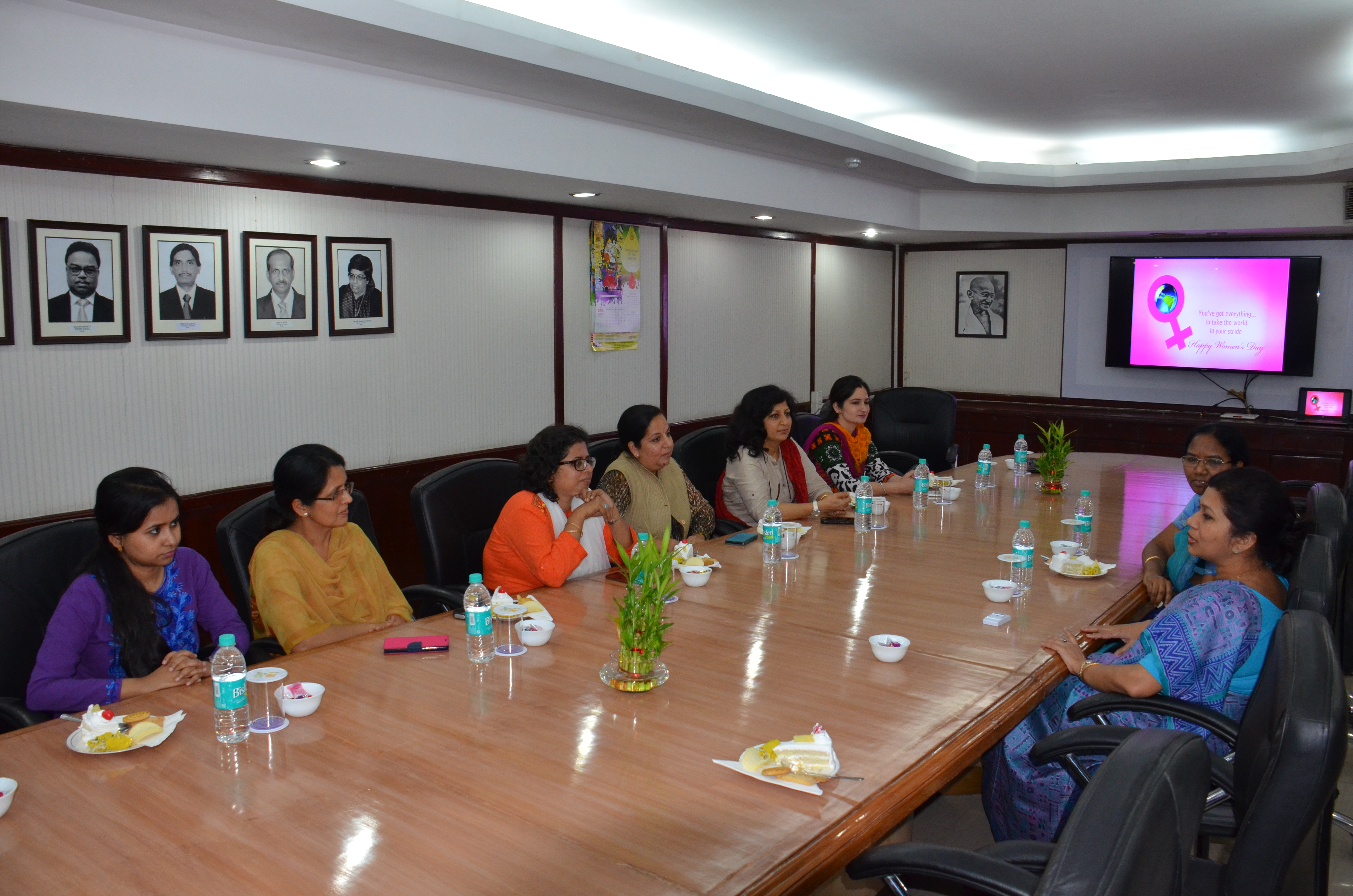 DG PPAC addressing Women employees of the organization on International Women s Day 2016 फोटो गैलरी