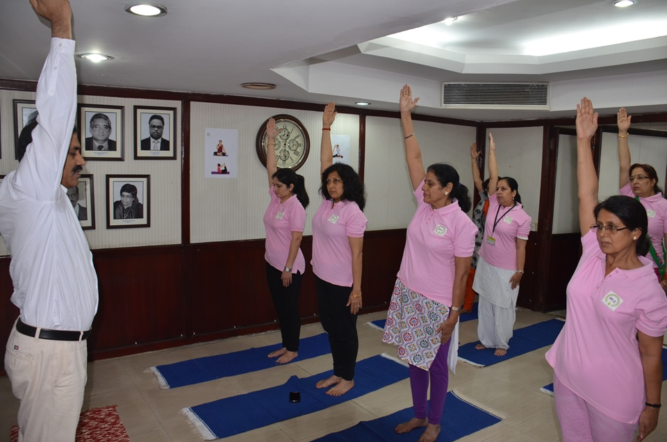 Practice of Common Yoga Protocol by employees of PPAC फोटो गैलरी